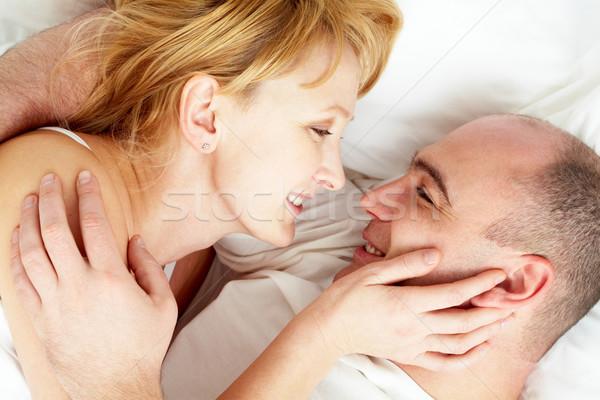 Bliskość żona mąż patrząc inny Zdjęcia stock © pressmaster