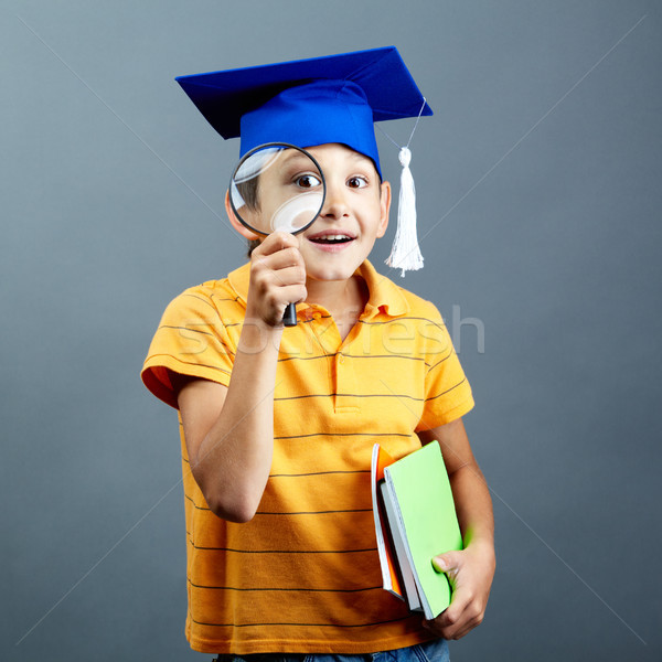 Giovanile poliziesco ritratto singolare ragazzo laurea Foto d'archivio © pressmaster