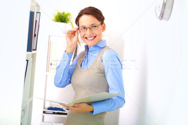 Fehérgalléros munkás portré derűs üzletasszony néz Stock fotó © pressmaster