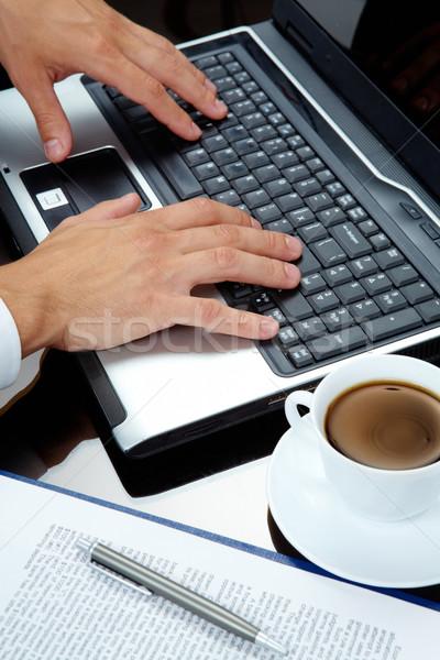 Gépel férfi kezek laptop üzlet munka Stock fotó © pressmaster