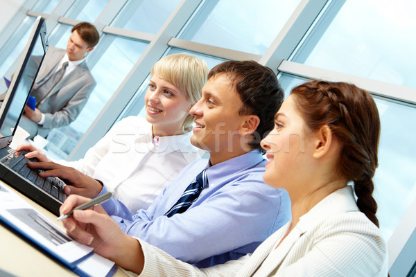 Stock fotó: Csapatmunka · portré · dolgozik · partnerek · néz · laptop