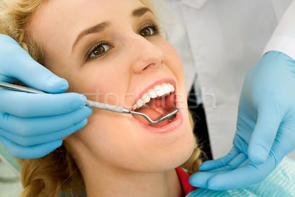 Dental mulher jovem oral cavidade Foto stock © pressmaster