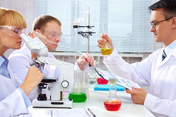 Photo stock: Expérience · sérieux · étudier · nouvelle · médecine · laboratoire