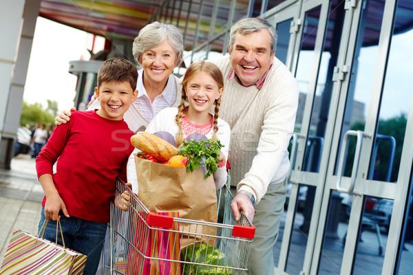 家族 肖像 幸せ 祖父母 孫 スーパーマーケット ストックフォト © pressmaster
