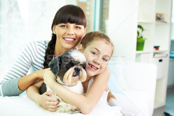 Stock fotó: Anya · lánygyermek · díszállat · portré · boldog · lány · aranyos