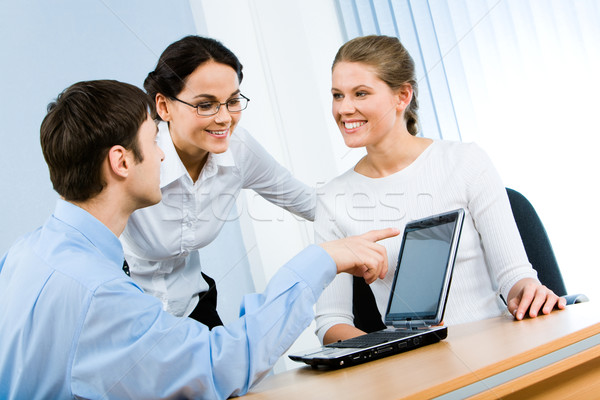Magyaráz üzletember új projekt üzlet számítógép Stock fotó © pressmaster