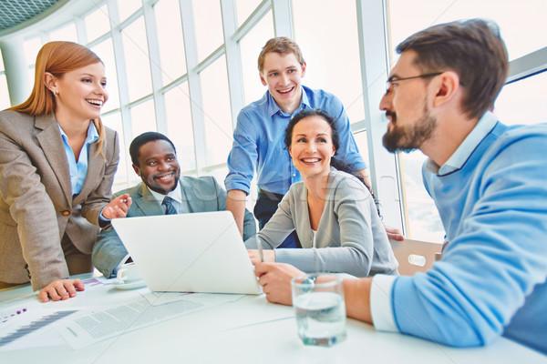 Grup İş ortaklarımız bakıyor iş arkadaşı fikirler Stok fotoğraf © pressmaster