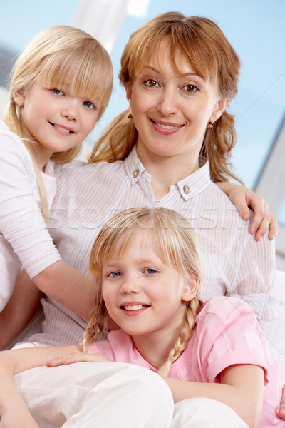 女性 双子 家族 女性 双子 姉妹 ストックフォト © pressmaster