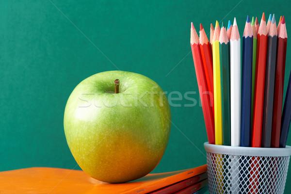 Сток-фото: красочный · карандашей · яблоко · зеленый