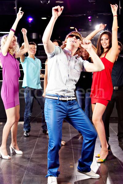Energiczny człowiek portret tancerz szczęśliwy znajomych Zdjęcia stock © pressmaster