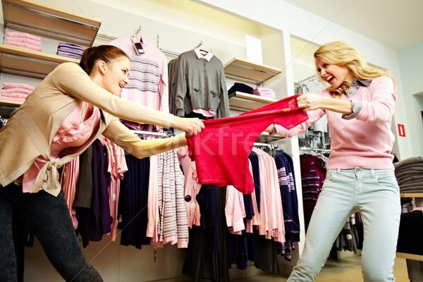Alışveriş şiddet görüntü iki açgözlü kızlar Stok fotoğraf © pressmaster