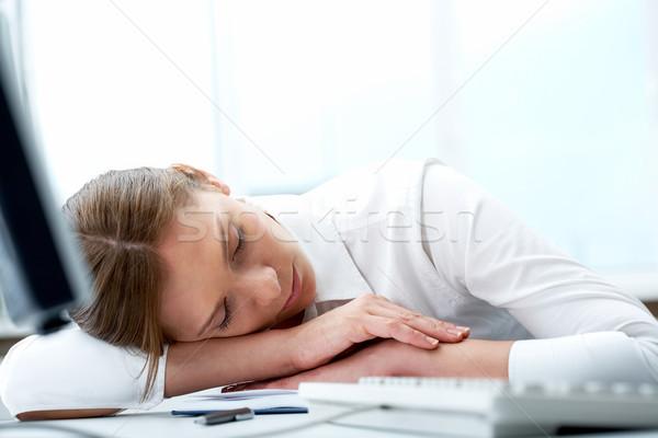 Csend kép fiatal üzletasszony alszik munkahely Stock fotó © pressmaster