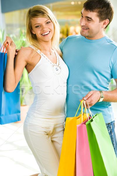 Stok fotoğraf: çift · alışveriş · fotoğraf · mutlu · adam · kadın