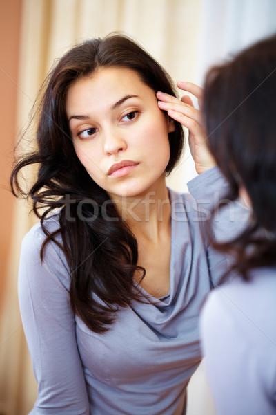 Káprázatos hölgy portré csinos barna hajú néz Stock fotó © pressmaster