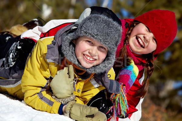 Stockfoto: Vreugde · gelukkig · vrienden · naar · camera · buiten