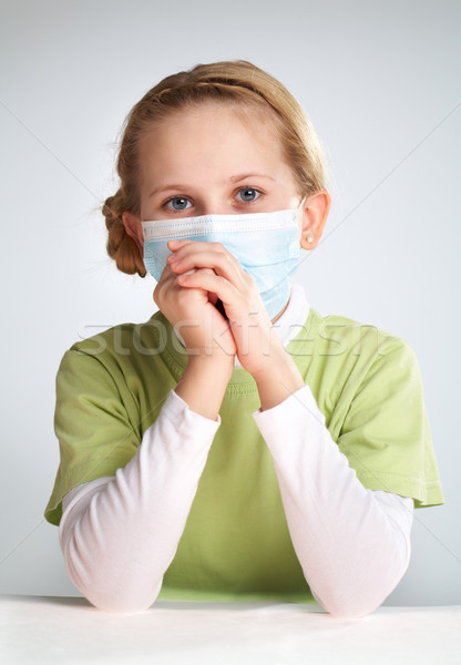 Járvány portré szomorú lány arc maszk Stock fotó © pressmaster