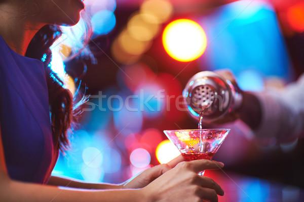 Martini młoda dziewczyna martini glass czerwony pić Zdjęcia stock © pressmaster
