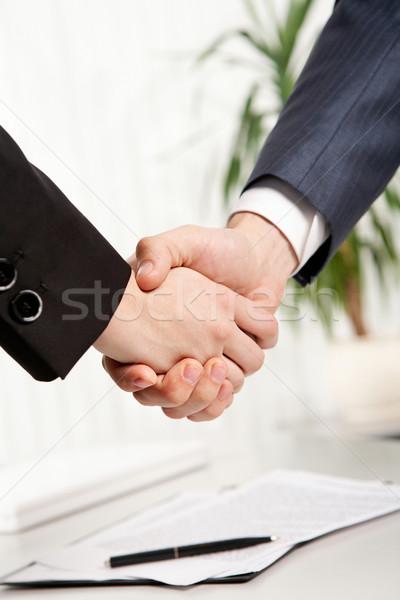 Foto stock: Negócio · aperto · de · mão · dois · pessoas · de · negócios · mão