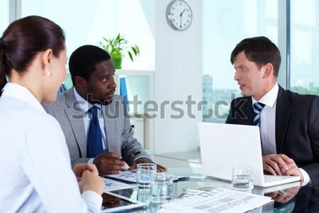Portrait équipe commerciale réunion bureau affaires femme Photo stock © pressmaster