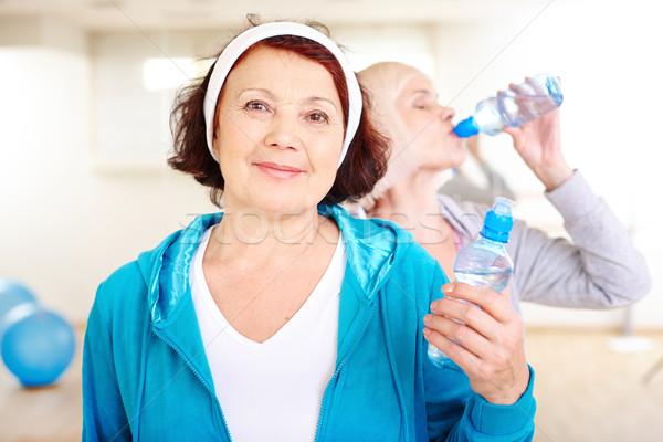ストックフォト: 女性 · トレーニング · 幸せ · プラスチック · ボトル