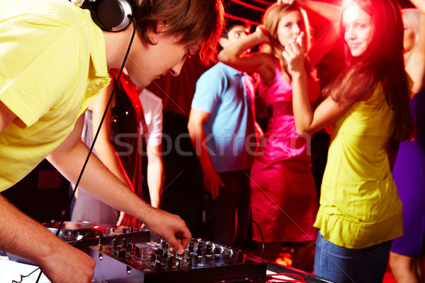Disco puce deejay danse adolescents fille Photo stock © pressmaster