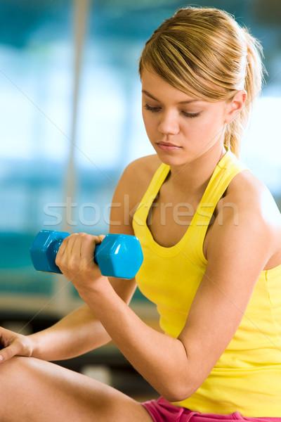Spieren portret jonge vrouwelijke sterke Stockfoto © pressmaster