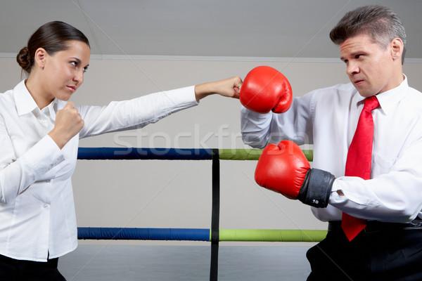 Támadás portré agresszív üzletember boxkesztyűk harcol Stock fotó © pressmaster