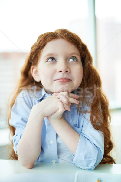 Nieuwe idee peinzend meisje denken school Stockfoto © pressmaster
