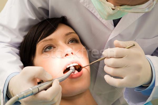 調べる 経口 空洞 画像 若い女性 開口部 ストックフォト © pressmaster
