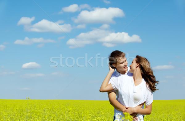 Stok fotoğraf: Sevmek · görüntü · mutlu · çift · sarı · çayır