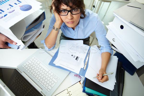 Notfall Job ratlos Buchhalter finanziellen Berichte Stock foto © pressmaster