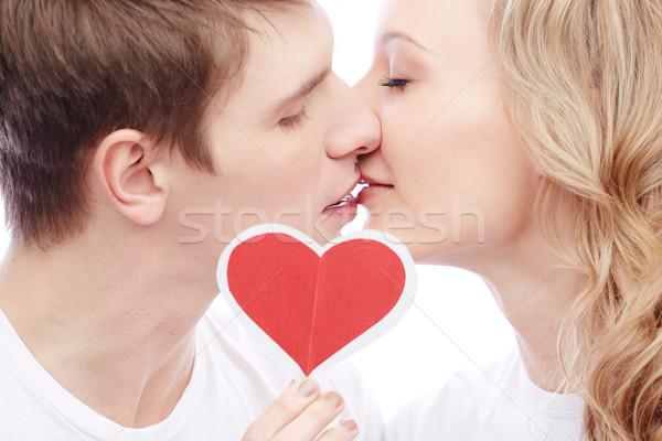 Kiss miłości portret młodych kochliwy para Zdjęcia stock © pressmaster