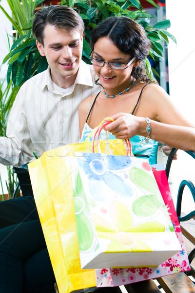 Departamento armazenar retrato jovem sessão shopping Foto stock © pressmaster