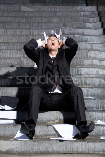 Nagyszerű bánat üzletember sikít papírok kezek Stock fotó © pressmaster