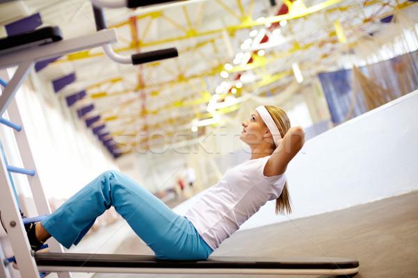 брюшной девушки мышцы спортзал женщины фитнес Сток-фото © pressmaster