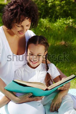 Praca domowa portret cute dzieci w wieku szkolnym otwarte Zdjęcia stock © pressmaster