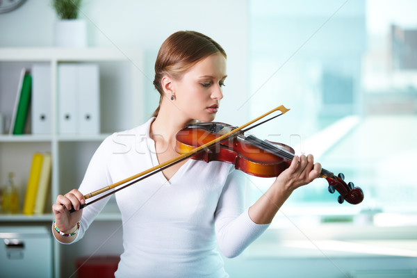 Pretty violinist Stock photo © pressmaster