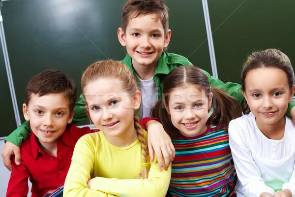 Osztálytársak portré boldog srácok lányok néz Stock fotó © pressmaster