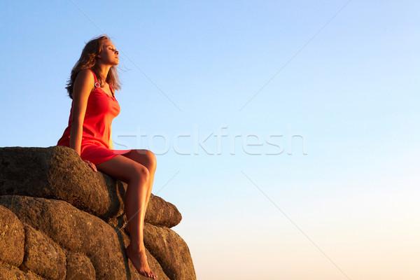 Sereniteit foto sereen vrouwelijke rock Stockfoto © pressmaster