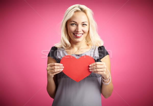 Nyilatkozat szeretet csinos női piros papír Stock fotó © pressmaster