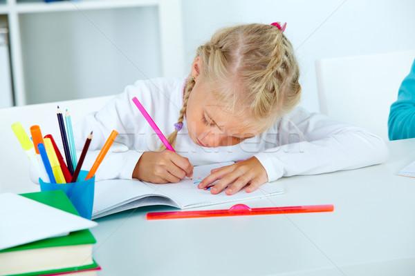 Maison tâche diligent dessin classeur crayon Photo stock © pressmaster