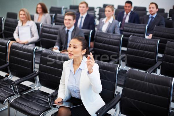 Competente mujer de negocios imagen gente de negocios sesión Foto stock © pressmaster