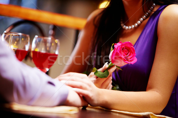 Image couple vin restaurant table Homme Photo stock © pressmaster