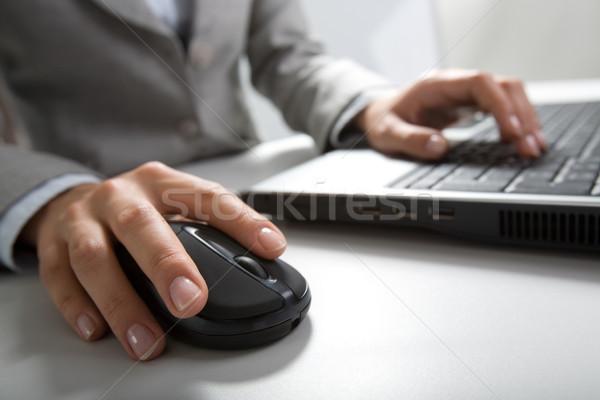 手 画像 プッシング キー コンピューターのマウス キーボード ストックフォト © pressmaster