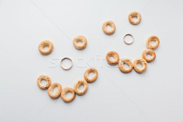 Stock fotó: Arany · jegygyűrűk · fehér · kezek · menyasszony · házasság
