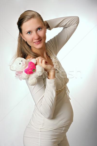 Foto d'archivio: Bella · donna · felice · donna · incinta · giocattolo · bianco · donna