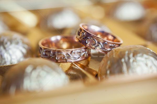 Сток-фото: золото · обручальными · кольцами · рук · невеста · красный · брак