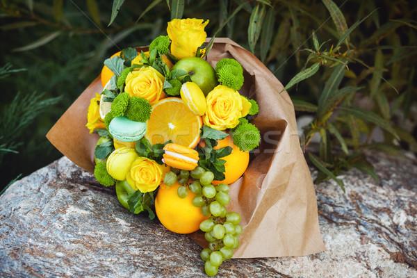 Foto stock: Original · incomum · comestível · buquê · frutas · rocha
