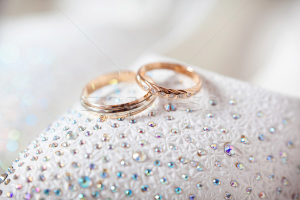 Oro anillos de boda blanco manos novia matrimonio Foto stock © prg0383