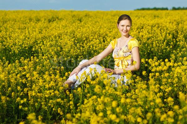 Gyönyörű nő boldog nő citromsárga mező égbolt Stock fotó © prg0383